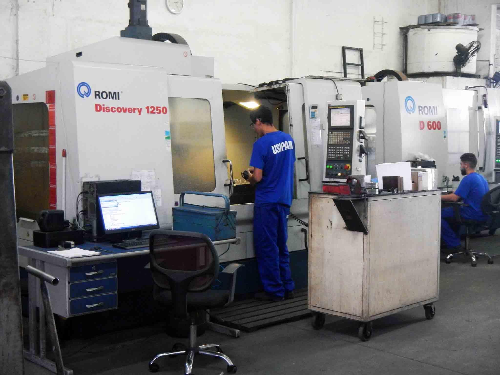 Máquina de automação Romi D1250
